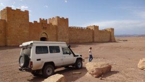 décor de cinéma en plein désert.