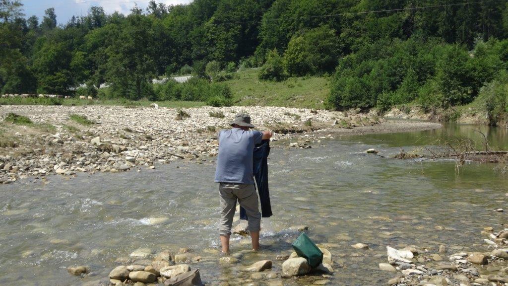 lessive de jean en rivière!